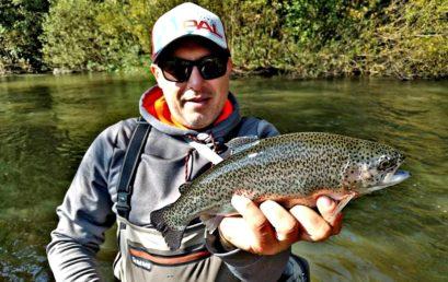 """Un pescuit """"fair-play"""" la pastrav pe Râul Târnava Mare"""